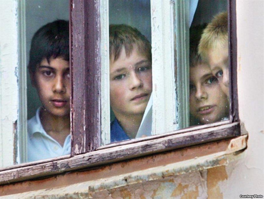 Власти Брянска не могут купить квартиры сиротам