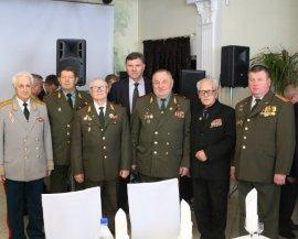 Брянские чиновники поздравили с праздником защитников Отечества