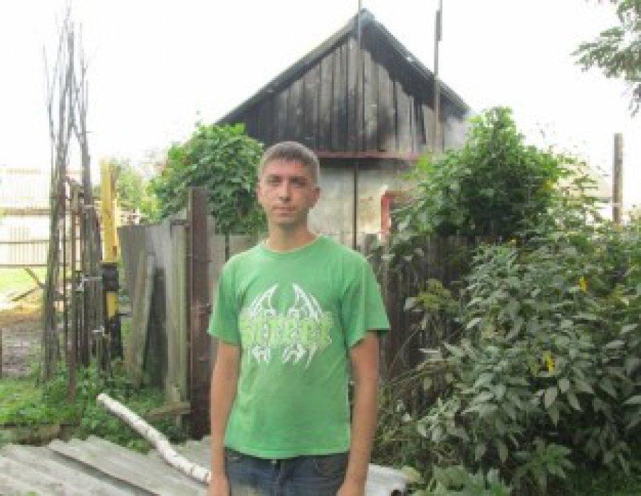 ВНовозыбкове личный дом горел открытым пламенем повсей площади