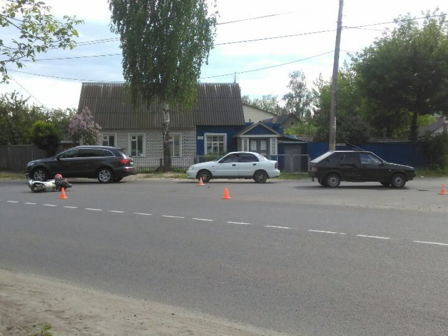 Фото: в Брянске водитель «ВАЗа» сбил мотоциклиста