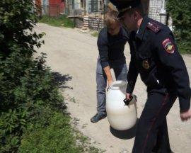 За день брянские полицейские поймали 14 самогонщиков