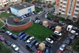 В брянских новостройках пообещали 10 мест для машин на 1000 кв. метров жилья