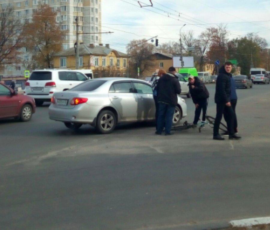 Напроспекте Московском вБрянске шофёр «Тойоты» сбил велосипедиста