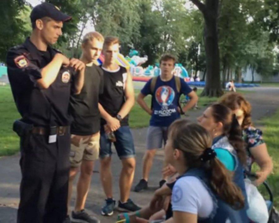 В Брянске рейд борцов с курением и алкоголем сняли на видео