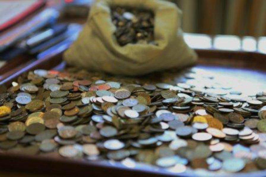 Практически миллионный долг взыскали приставы уотца-алиментщика вЧите