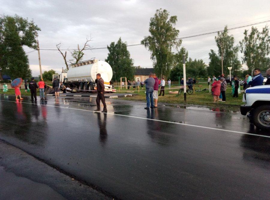 Двое молодых людей погибли, двое ранены вДТП под Жирятино