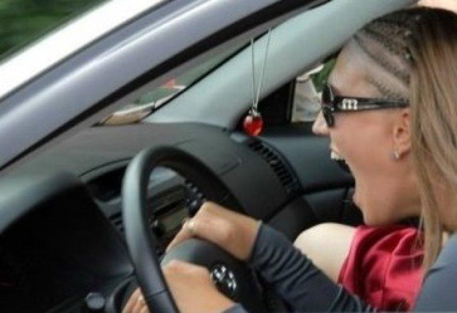Автомобилистка изБрянска сбила судебного пристава вовремя конфискации авто