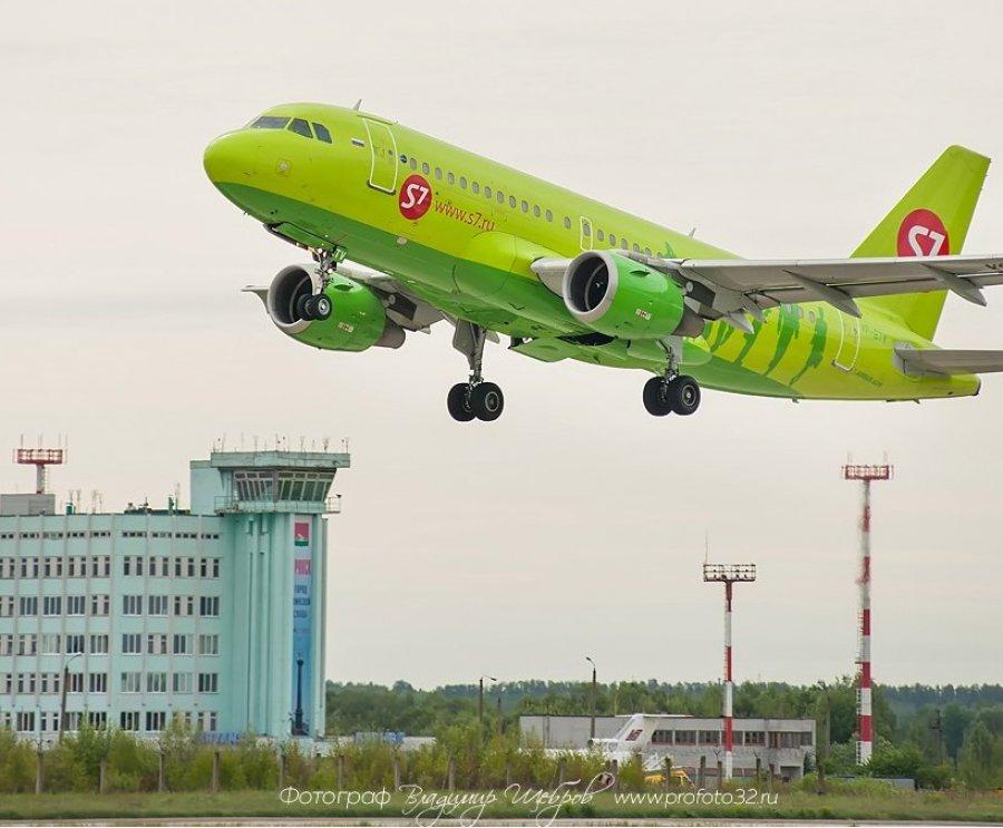 Пассажиру авиарейса «Санкт-Петербург-Брянск» стало плохо всамолёте