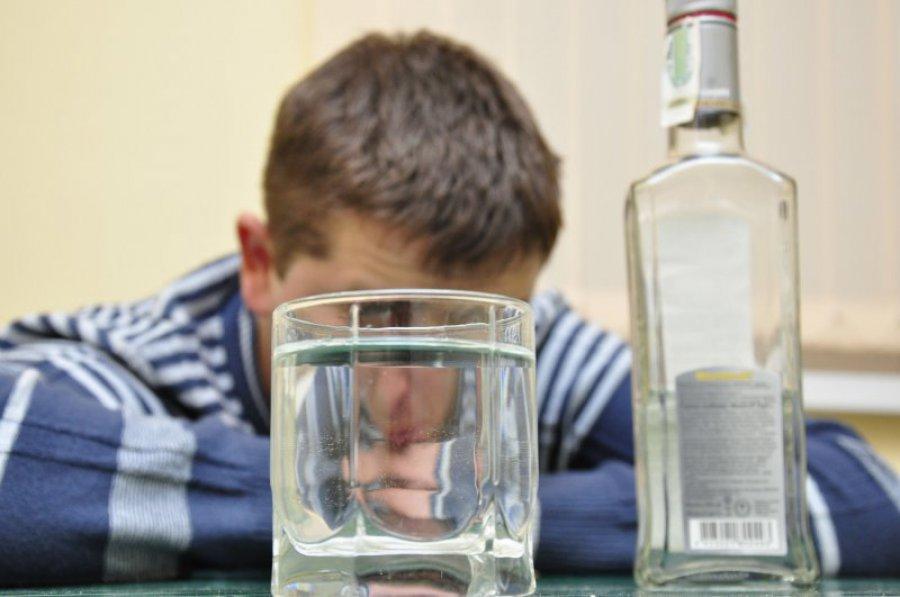 ВБрянске мужчина спистолетом пытался украсть бутылку водки измагазина
