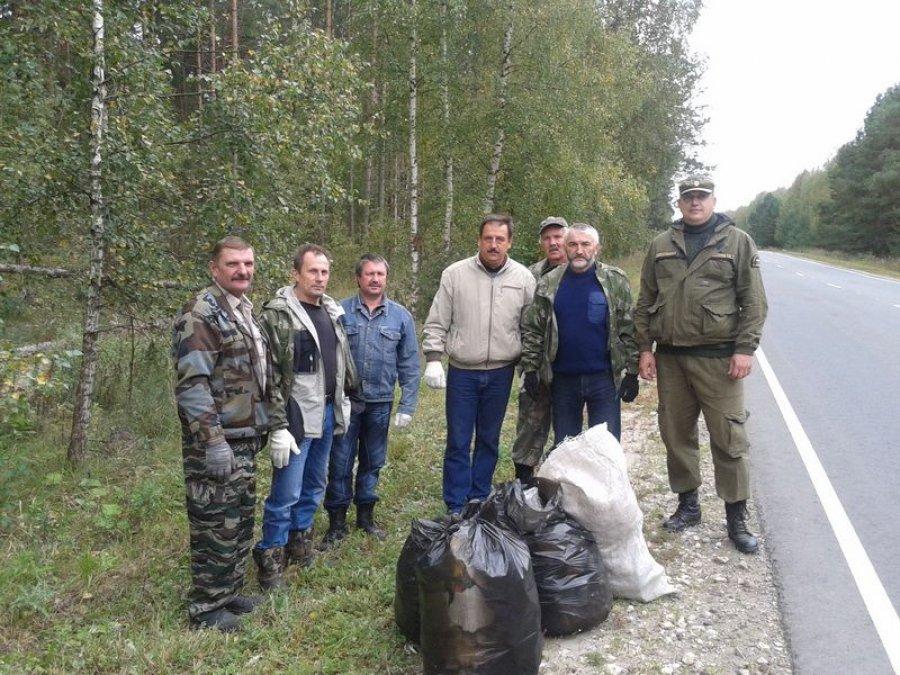 Избрянских лесов осенью убрано 100 тонн мусора