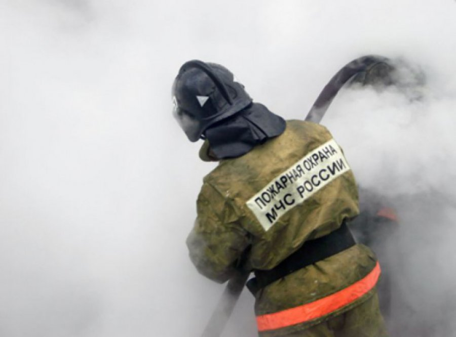 В Брянске на Володарке сгорело здание