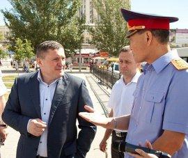Волгоградский губернатор Бочаров избил экс-мэра за отказ вернуть украденное