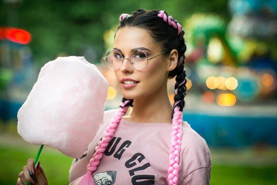 Брянская участница «Дома-2» пробилась вфинал конкурса «Улыбка Вселенной»