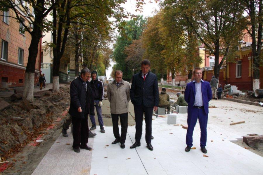 ВБрянске реконструкция лестницы кНабережной должна быть завершена вначале зимы