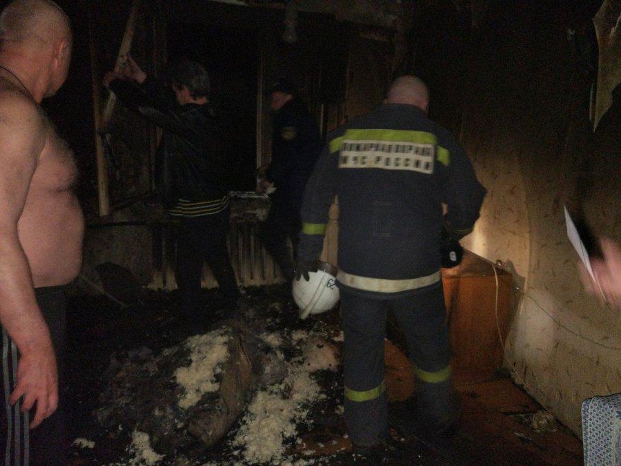 В Белых Берегах горела многоэтажка: пострадал человек