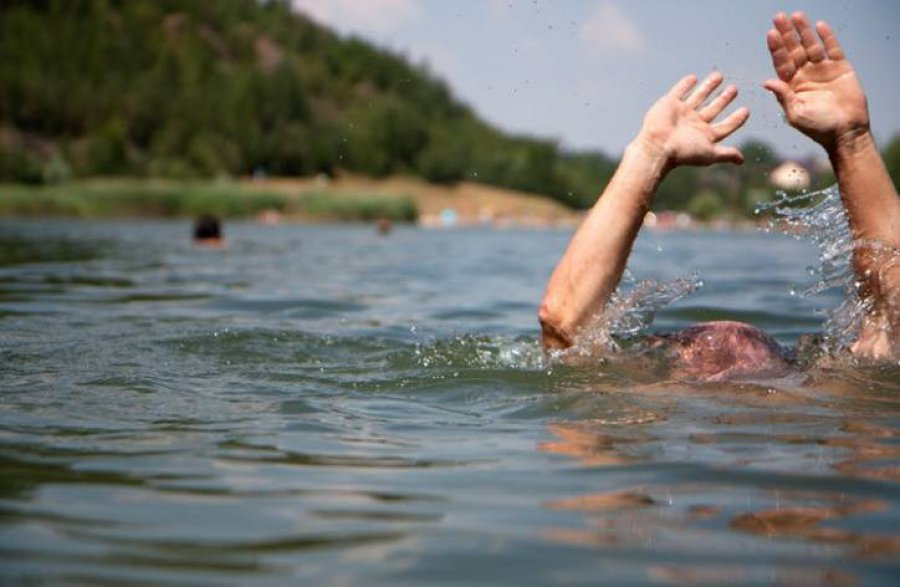 Вбрянском озере Прорва потонул 28-летний мужчина