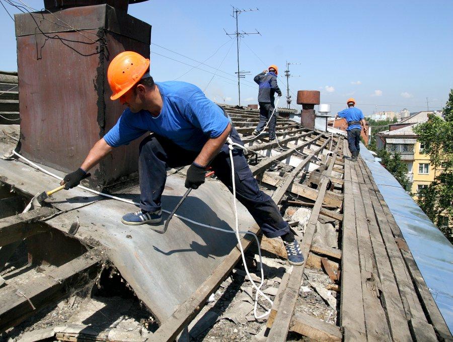 Запротекающую крышу брянский подрядчик заплатит 2,5 млн руб.