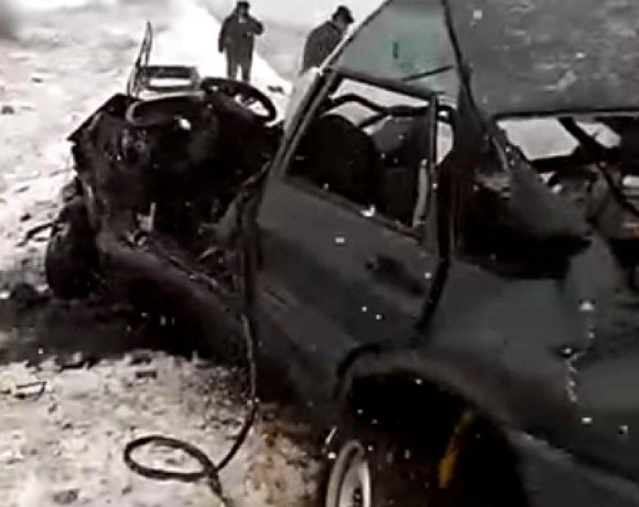 Встрашном ДТП под Клинцами один умер, двое тяжело ранены