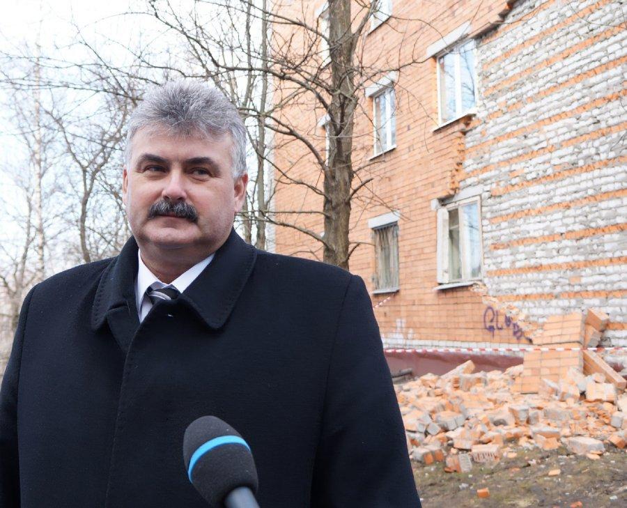 ВБрянске разрушается пятиэтажка наОктябрьской: власти бездействуют
