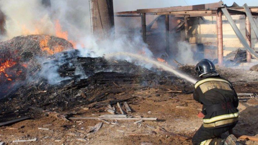 ВСельцо изгорящего дома эвакуировали 6 человек