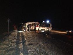 В Брянской области водитель Мерседеса уснул за рулем и погиб, выехав на встречку