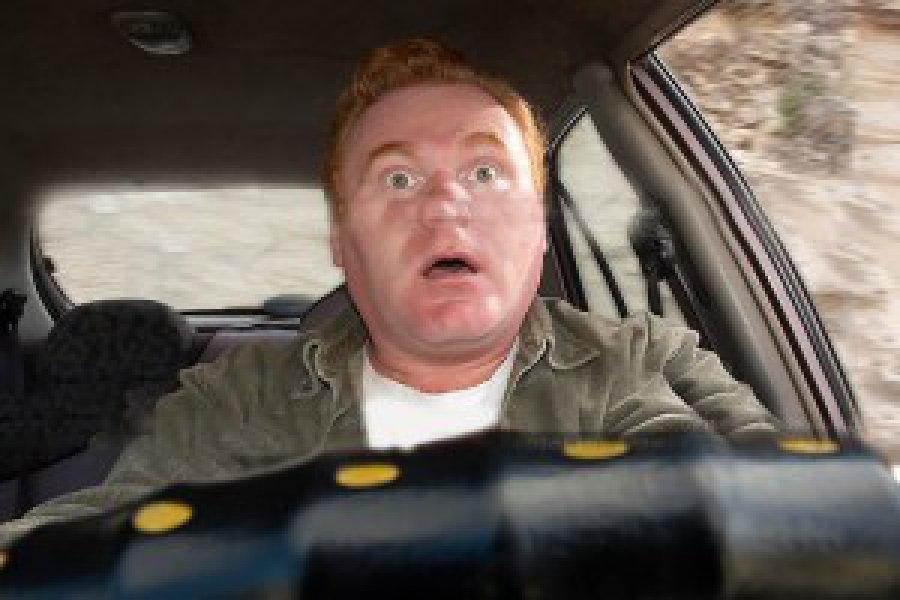 В Брянске водитель едва не разбился утром 1 января и выложил видео