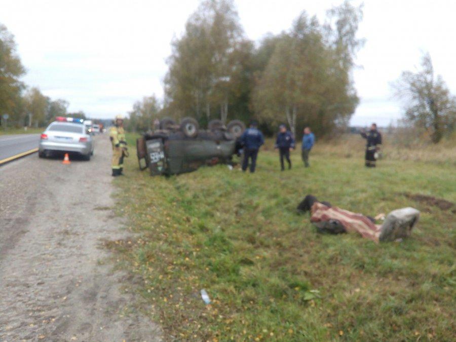 ВБрянском районе насмоленской трассе перевернулся УАЗ-«буханка»: умер шофёр