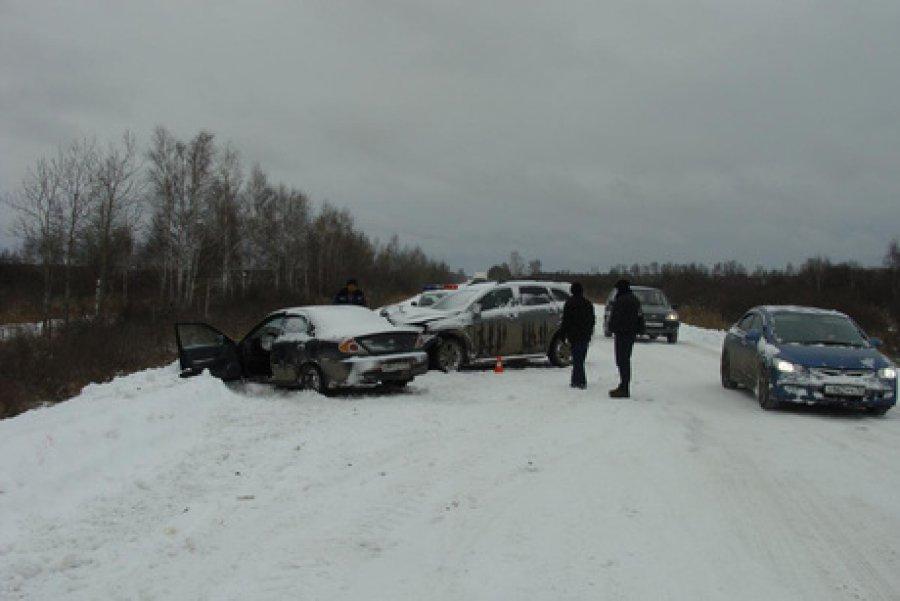 ВКлинцах вДТП сучастием 3-х иномарок ранены два человека