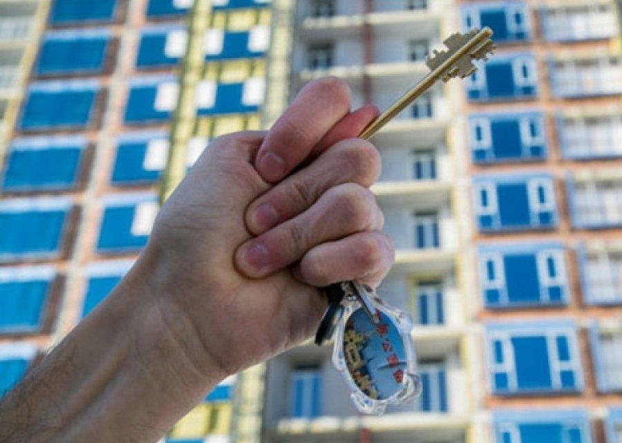 Гордеевские чиновники подарили женщине квартиру, не заметив 18-летнюю очередь