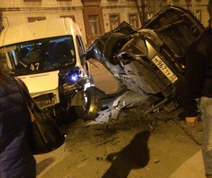 В Брянске рассказали подробности страшного ДТП с маршруткой №47
