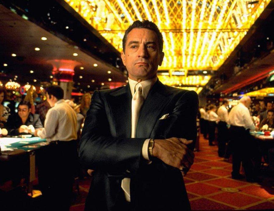 Заподпольное казино всауне брянца оштрафовали на15 тыс. руб.