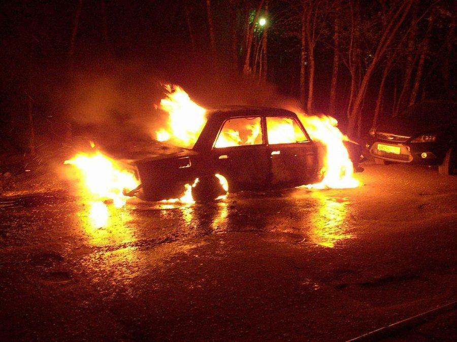 ВБрянске ночью сгорел Форд