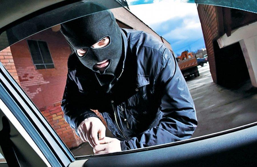 ВБрянске гражданин Бурятии угонял машины и добивался выкуп