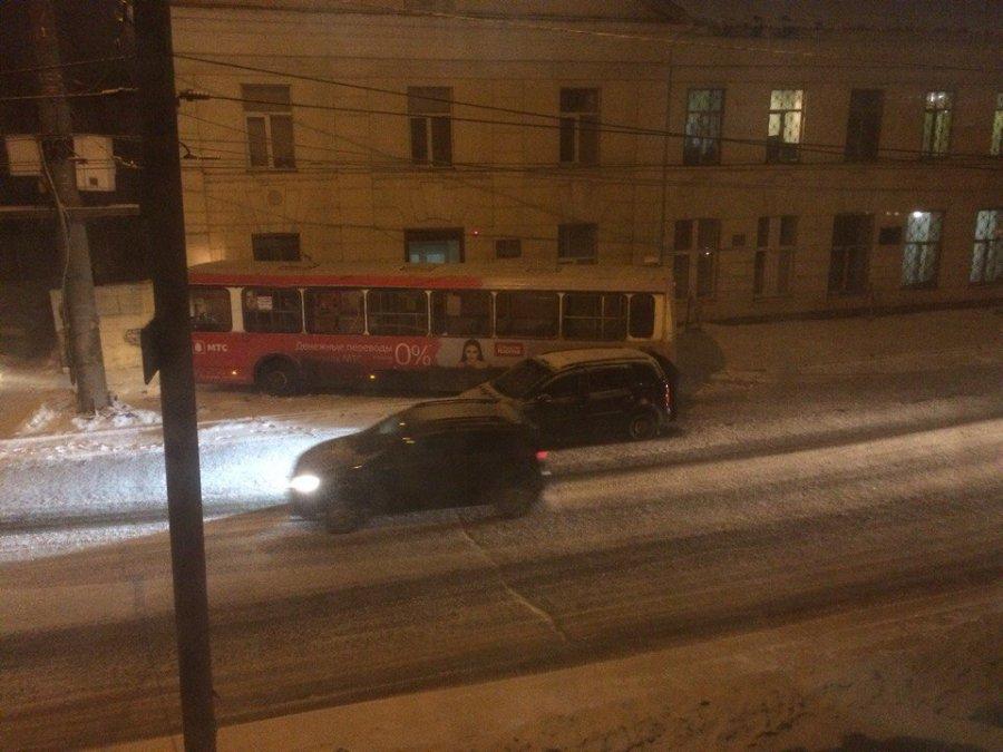 ВБрянске пассажирский автобус врезался в сооружение наркодиспансера