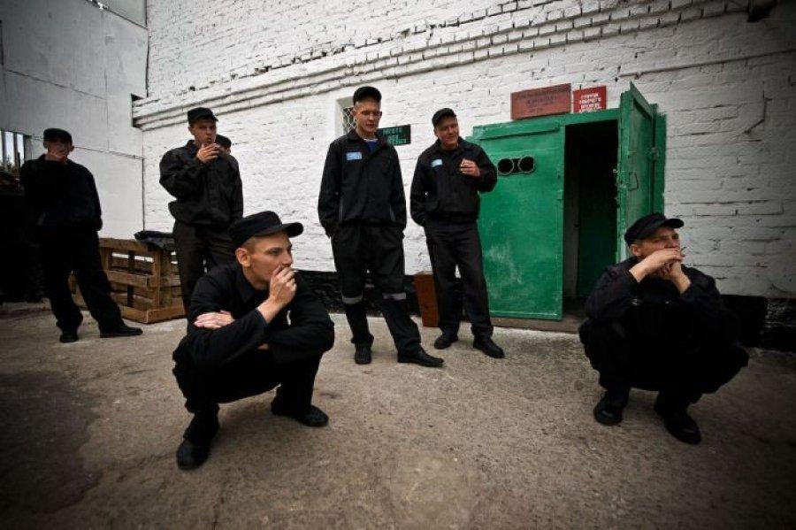 Бывших заключенных будут устраивать в колхозы