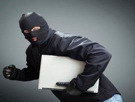 В Брянске 23-летний уголовник украл из общежития ноутбук