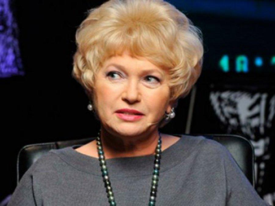 Нарусова лишила себя служебного авто ипотребовала компенсации