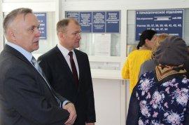 Заместитель брянского губернатора пришел посмотреть на адские очереди