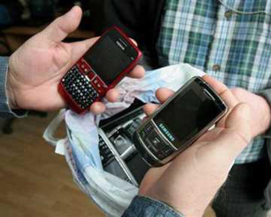 Брянец похитил упациентов клиники планшет и2 мобильника