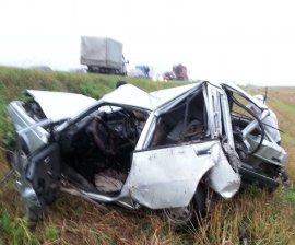 Под Брянском водитель иномарки едва не погиб в страшной аварии