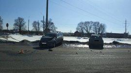На брянской трассе столкнулись две иномарки: ранен водитель