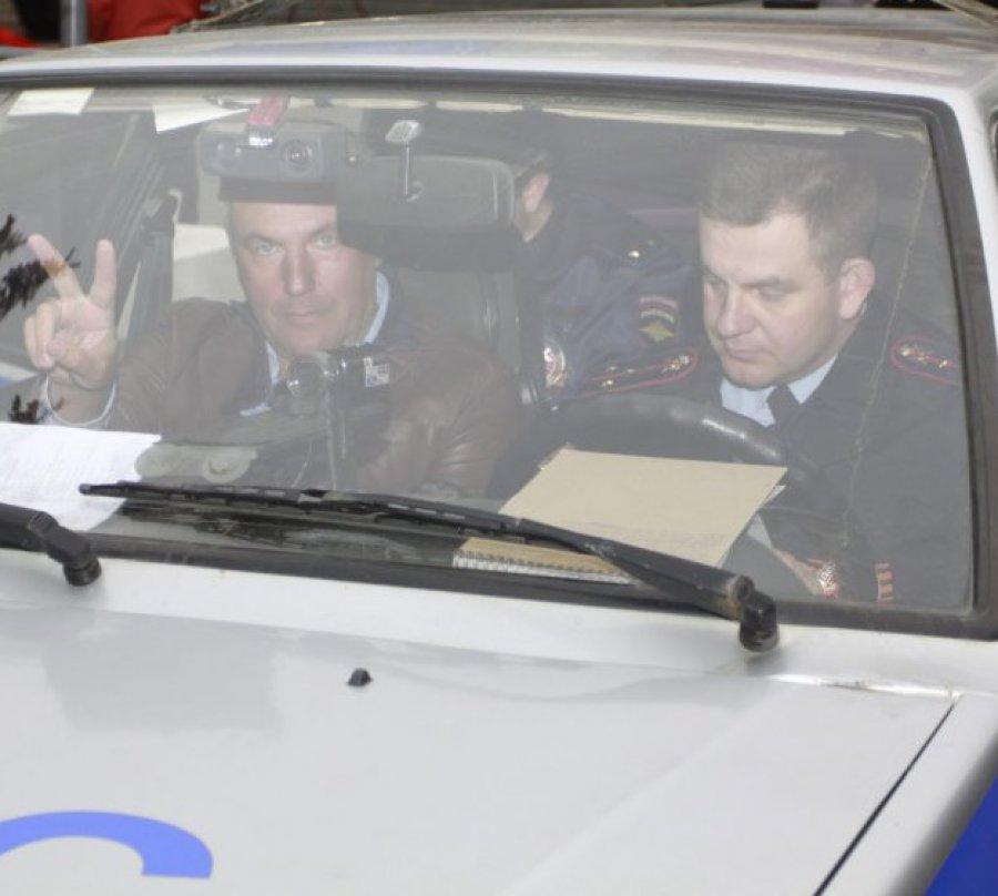 Брянского депутата Коломейцева снова обвинили в автохамстве