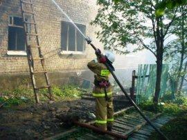 В центре Брянска горело кирпичное здание