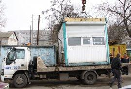 Мэру Брянска рассказали об агрессивных владельцах незаконных киосков