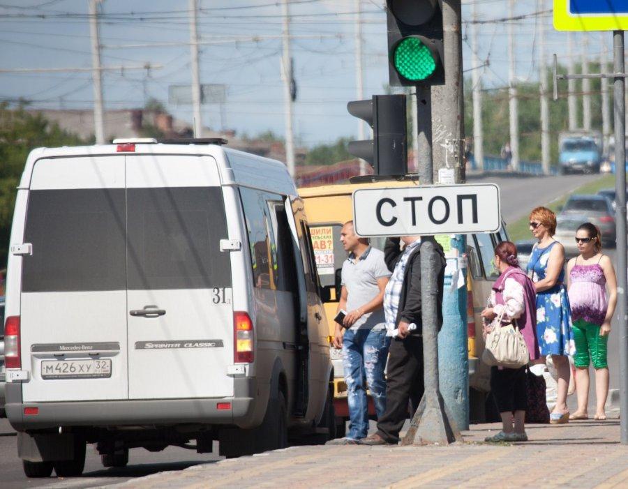 СНового года вБрянске подорожает проезд вмаршрутных такси