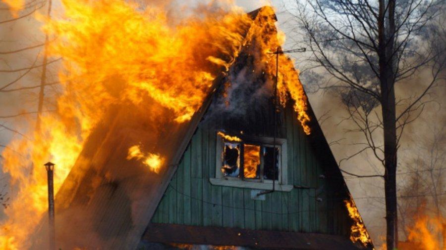 В Бежицком районе Брянска горела дача