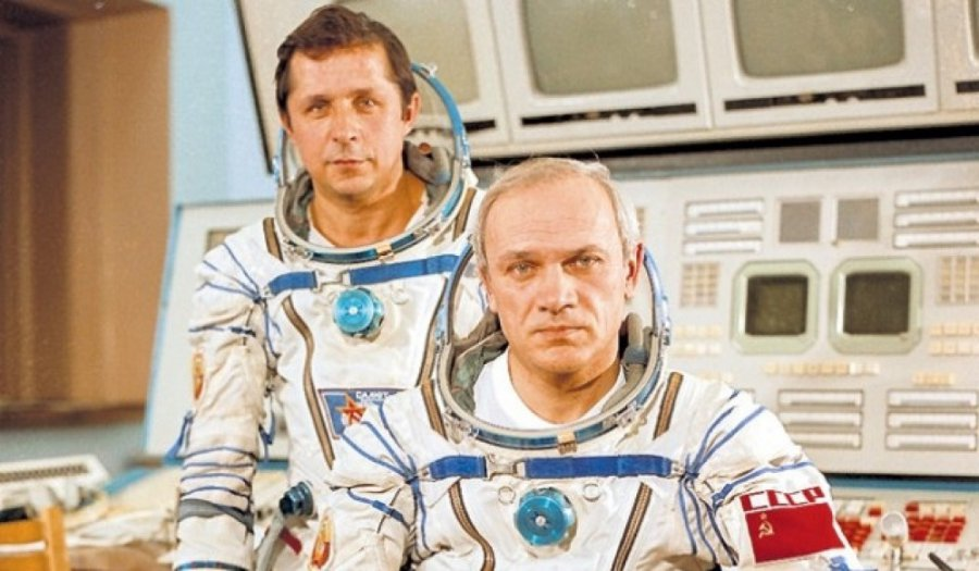 Брянцам расскажут о подвиге советских космонавтов