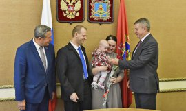 В Брянске врачам перинатального центра дали новые квартиры