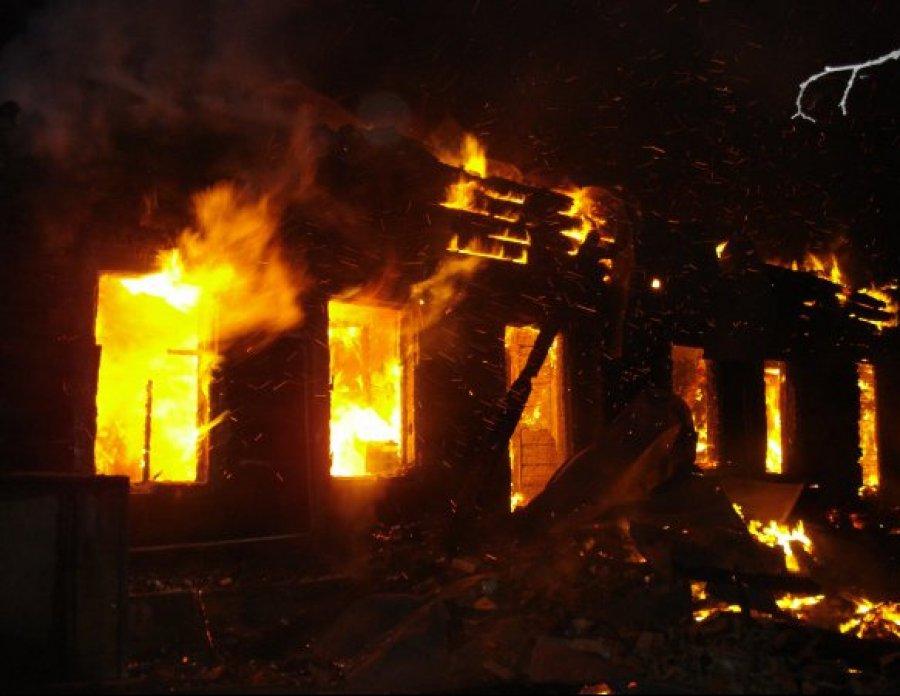 Пожар наБежицкой улице вБрянске: одного человека спасти неудалось