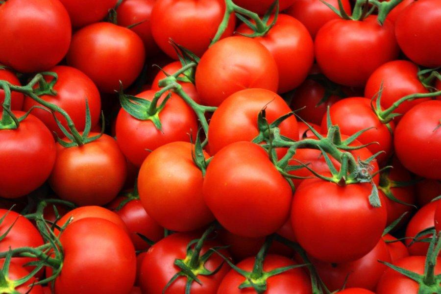 На унечском рынке торговали санкционными томатами